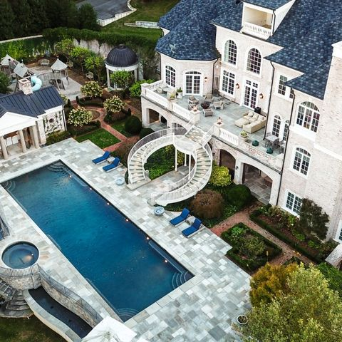 Kelly Clarkson's lakeside Tennessee mega mansion is on sale for $7.95 million
