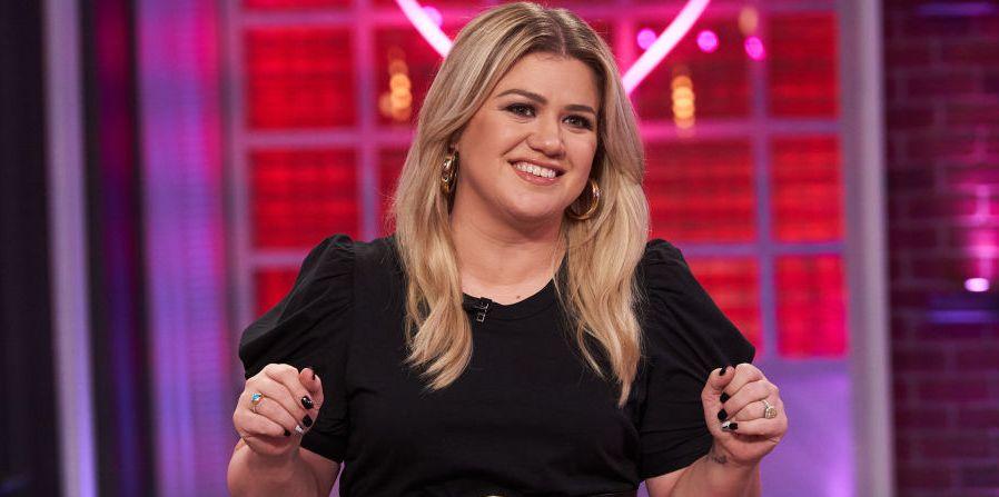 Kelly Clarkson Slammed a Body Shamer Who Called Her Friend 'Chubby'
