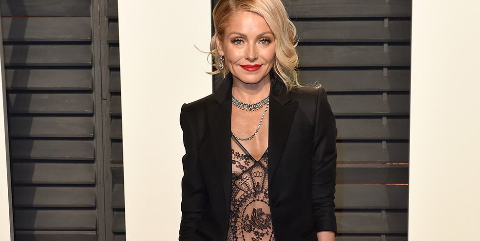 The Abs Move Kelly Ripa Swears By For Her Insane Six Pack