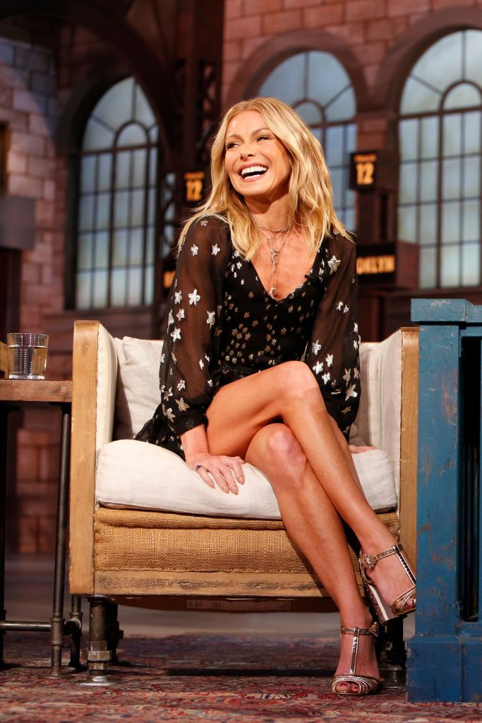 "Kelly Ripa Is No Longer Drinking and Says It's Been ""Amazing"""