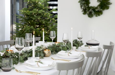 11 Styling Secrets To Decorating The Perfect Christmas Table