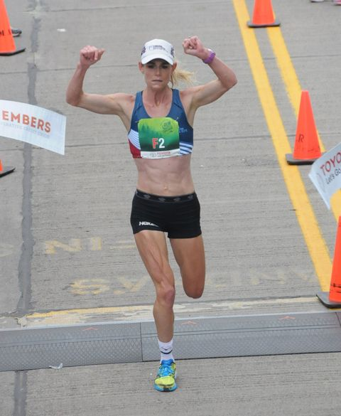 Kellyn Taylor wins Grandma's Marathon