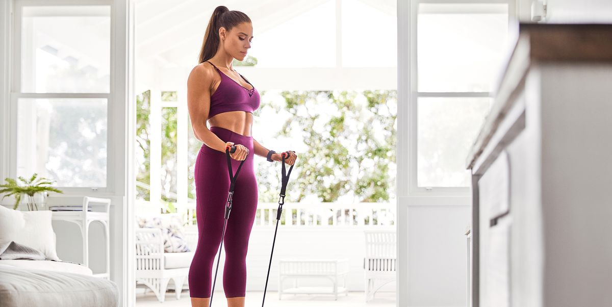 These 4 Resistance Band Exercises Will Work Your Entire Bod in 15 Minutes