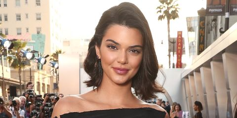 Hair, Face, Eyebrow, Hairstyle, Lip, Beauty, Skin, Brown hair, Black hair, Chin,