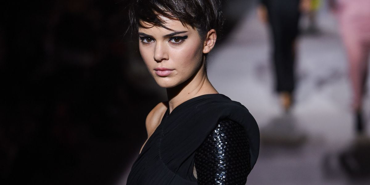 a07d4b930200 Kendall Jenner Looked EXACTLY Like Mama Kris at NYFW