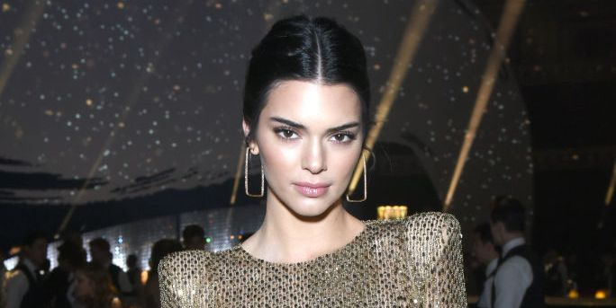Kendall Jenner Gets Bangs Kendall Debuts New Hairstyle On