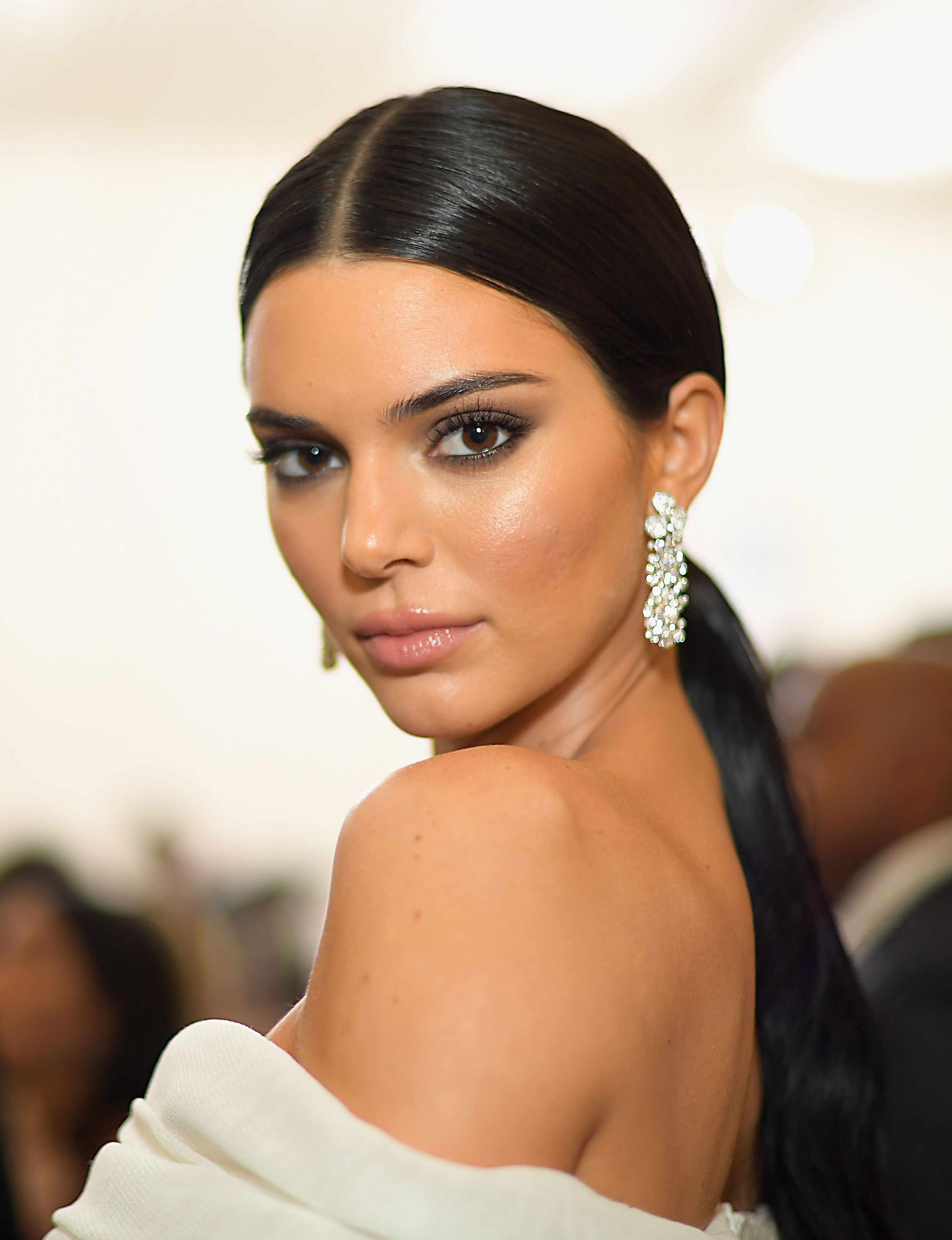Kendall Jenner S Hair And Makeup Looks Kendall Jenner S Beauty Transformation