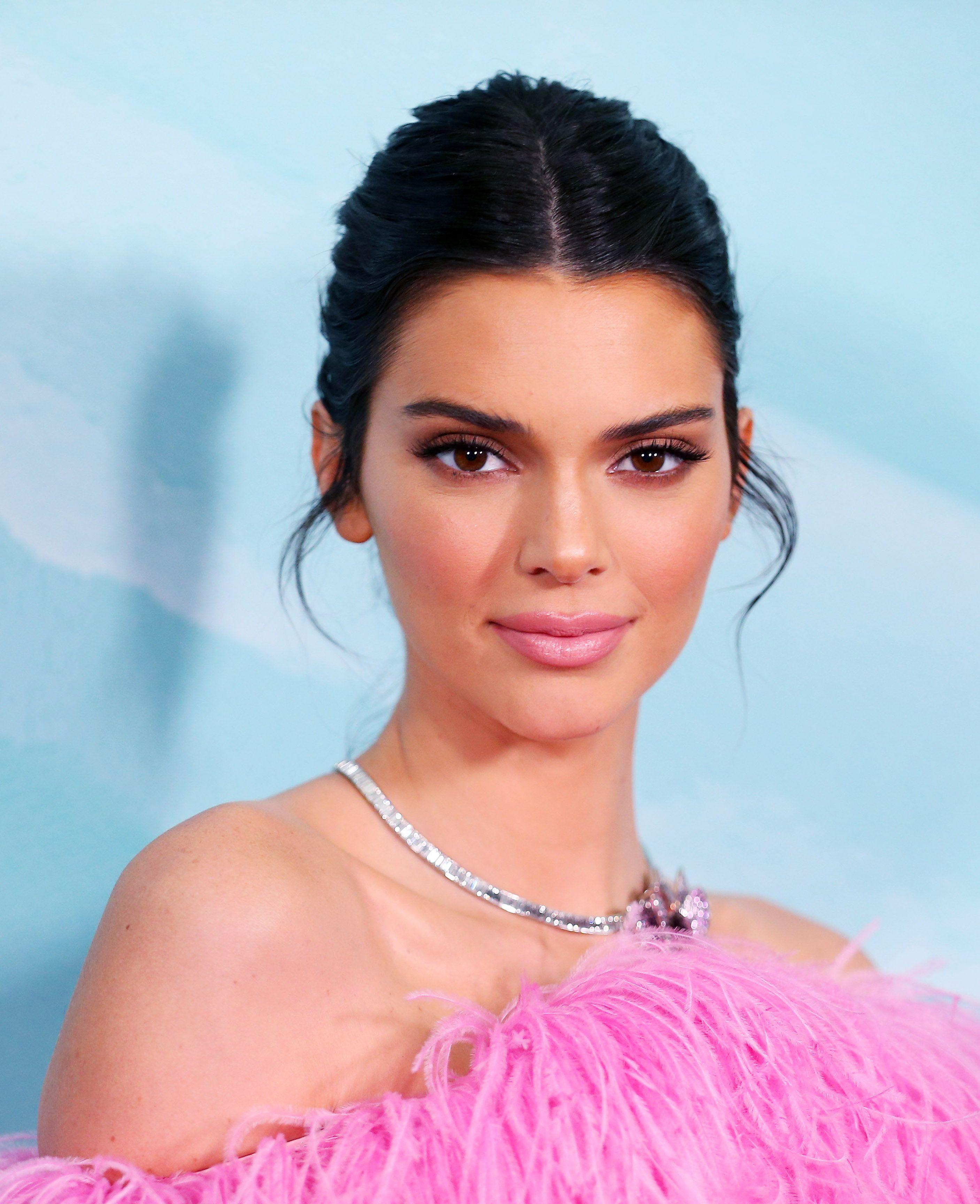Wait, Kendall Jenner has a full fringe now?