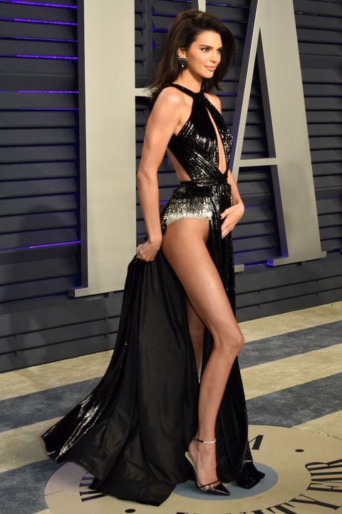 Kendall Jenner saat menghadiri acara Vanity Fair Oscar 2019