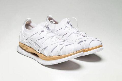 Footwear, White, Shoe, Product, Sportswear, Sneakers, Beige, Outdoor shoe, Tennis shoe, Walking shoe,