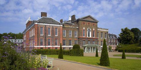 Plant, Property, Shrub, Building, Real estate, Manor house, Villa, Mansion, Garden, Stately home,