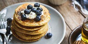 Vegan pannenkoeken met bosbessen en yoghurt