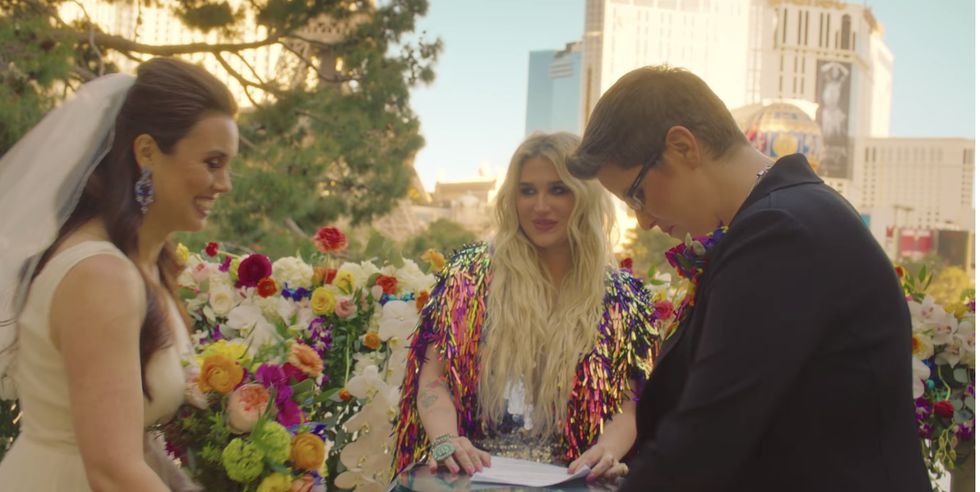 Kesha Officiated A Same Sex Wedding In Vegas And The Video Will Make