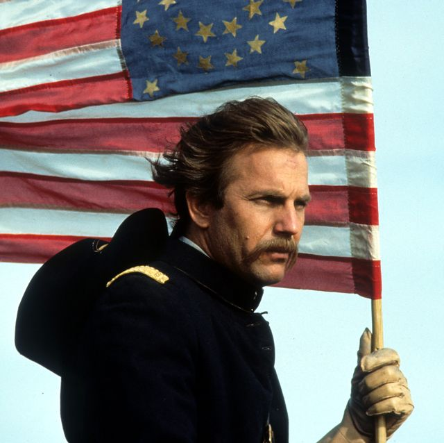 kevin costner in 'dances with wolves'
