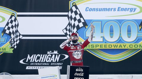 nascar cup series consumers energy 400 at michigan
