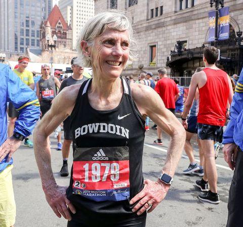 Jean Benoit Samuelson feliz tras completar la Maratón de Boston 2019