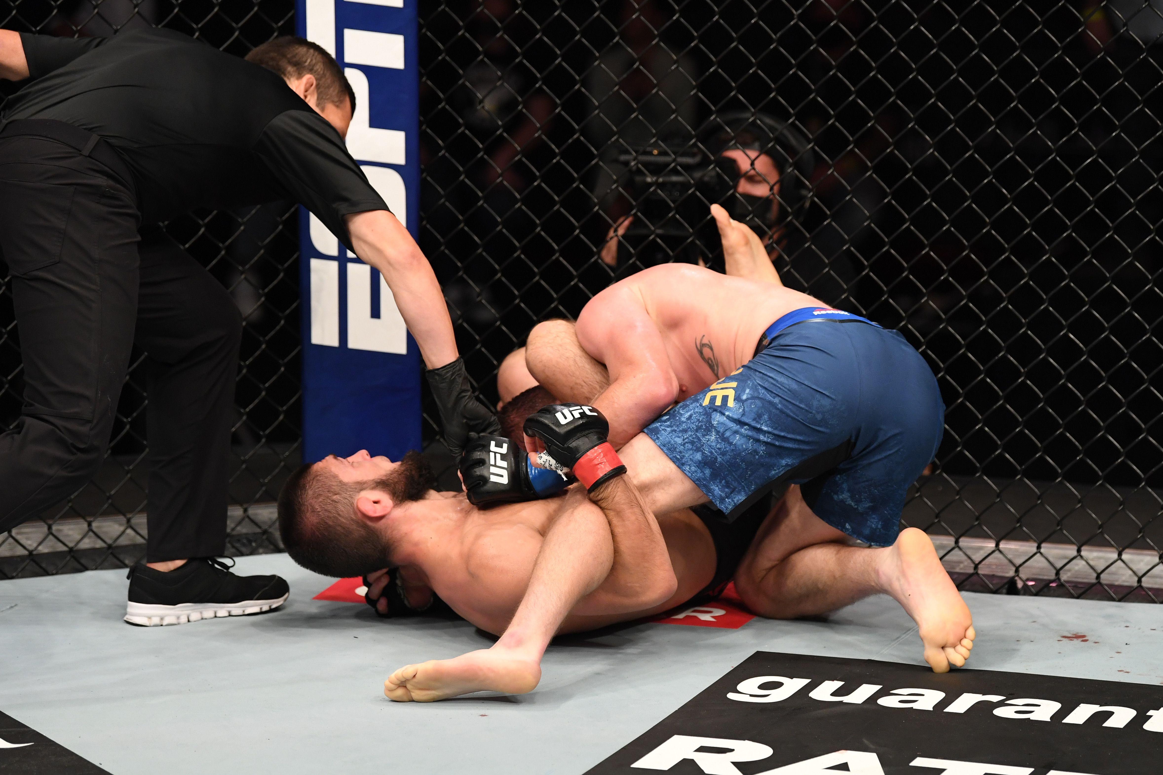 How Khabib Nurmagomedov Put Justin Gaethje to Sleep at UFC 254