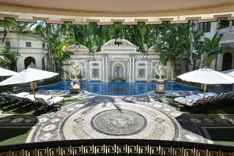 building, architecture, courtyard, palace, mansion, tourism, house, hotel, water feature, fountain,