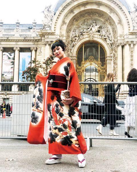 パリで振袖を着た、マドモアゼル・ユリアさん