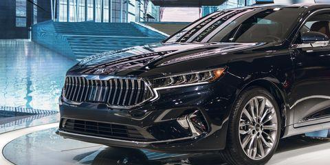 Land vehicle, Vehicle, Car, Automotive design, Motor vehicle, Mid-size car, Tire, Luxury vehicle, Sport utility vehicle, Auto show,