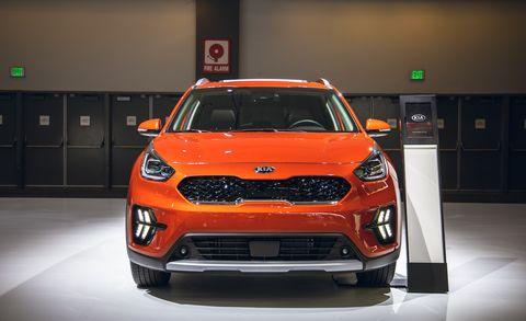 Land vehicle, Vehicle, Car, Motor vehicle, Auto show, Automotive design, Kia soul, Kia motors, Mini SUV, Vehicle door,