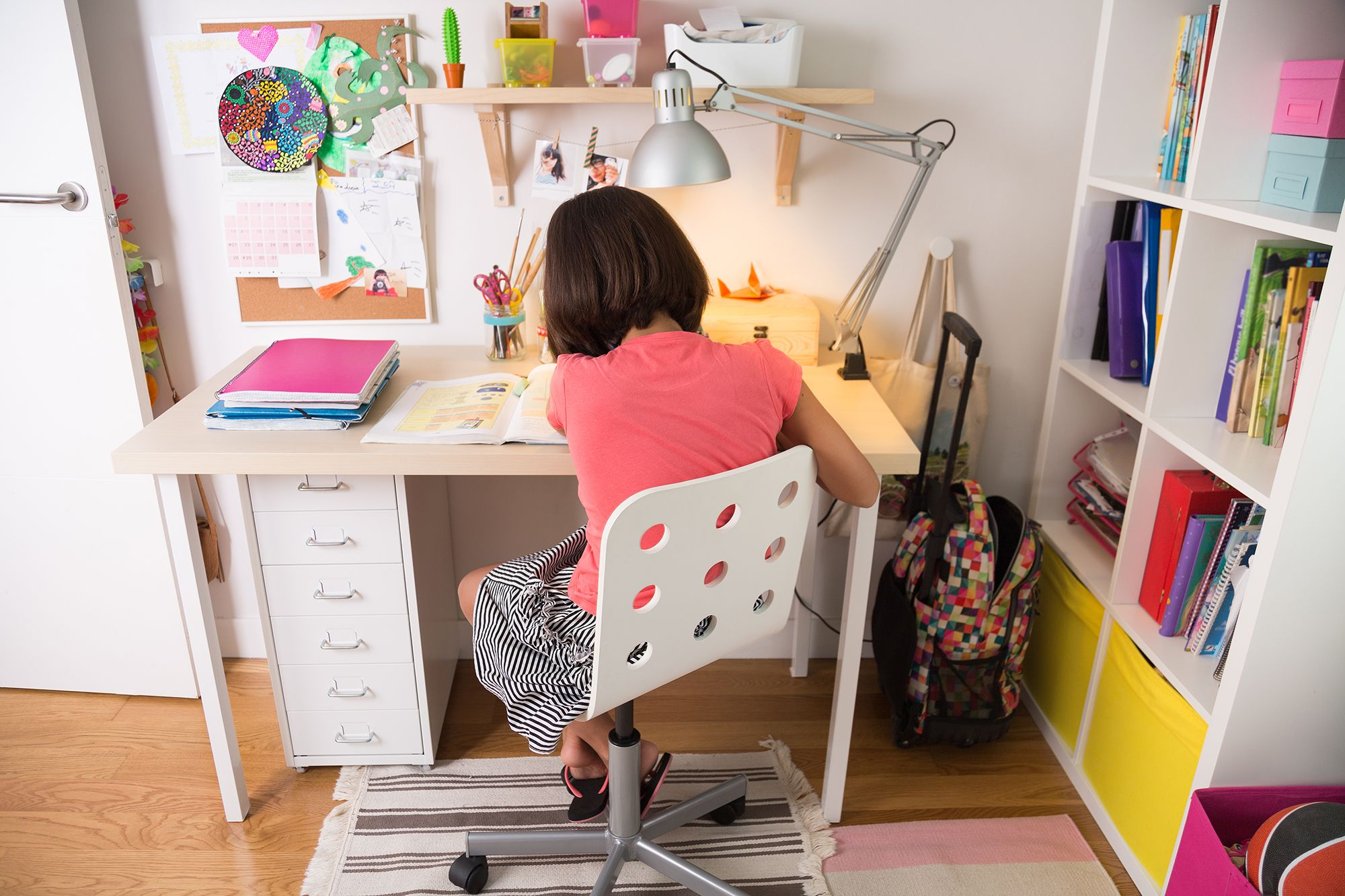 Image of: 10 Desk Chairs For Kids Best Kids Desk Chairs