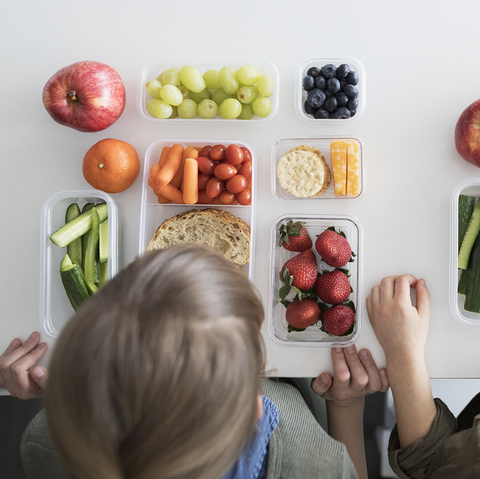 Your Kids Should Make Their Own Lunches Starting in Third Grade