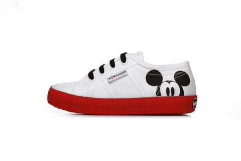 Superga, Disney, Superga y Disney, colección Supergay Disney, Mickey Mouse, zapatillas, zapatillas para madres e hijos, Superga Mickey Mouse, Superga colección Disney, Superga colección Mickey Mouse, Superga zapatillas, zapatillas Mickey Mouse, zapatillas Disney