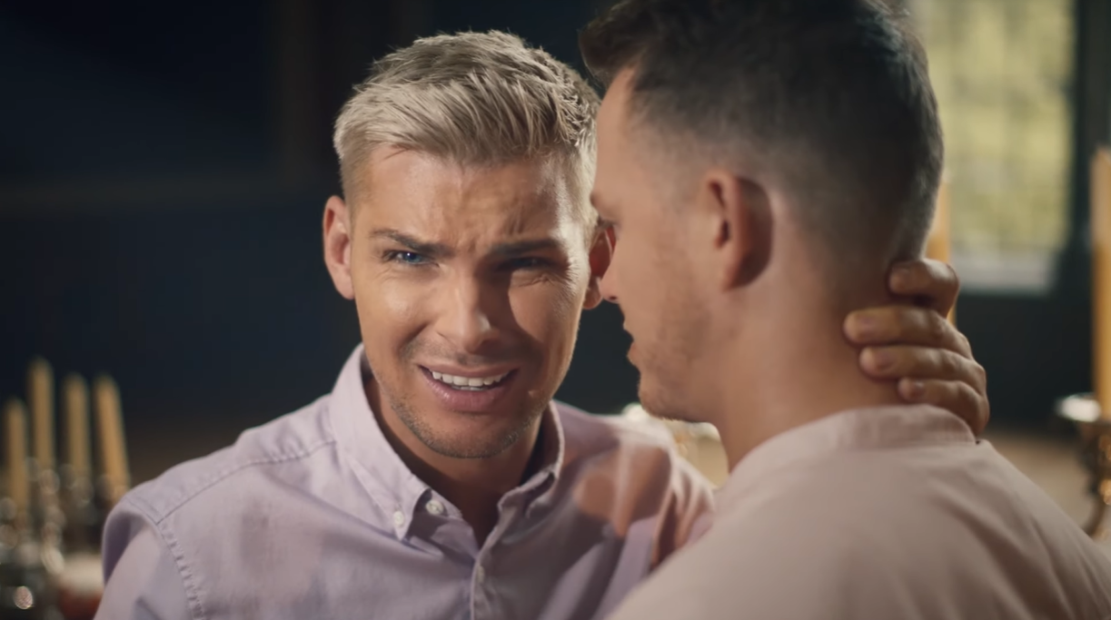 Hollyoaks' Kieron Richardson kisses his husband in video with powerful message about homophobia