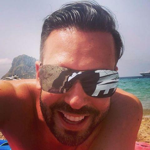 Eyewear, Sunglasses, Face, Hair, Glasses, Cool, Goggles, Head, Selfie, Vacation,
