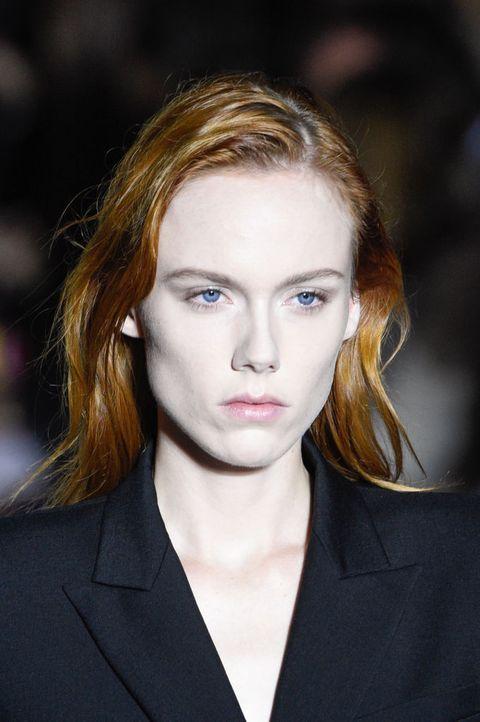 Hair, Face, Lip, Eyebrow, Hairstyle, Beauty, Fashion, Chin, Head, Blond,