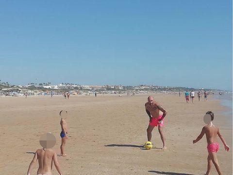 People on beach, Beach, Fun, Vacation, Summer, Sand, Tourism, Shore, Spring break, Coast,