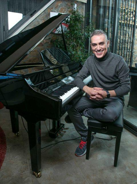Kiko Hernández piano