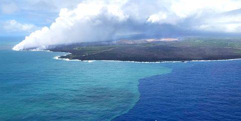 Body of water, Sea, Sky, Ocean, Coastal and oceanic landforms, Coast, Headland, Water resources, Island, Sound,