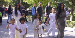 Kim Kardashian en Armenia con sus hijos