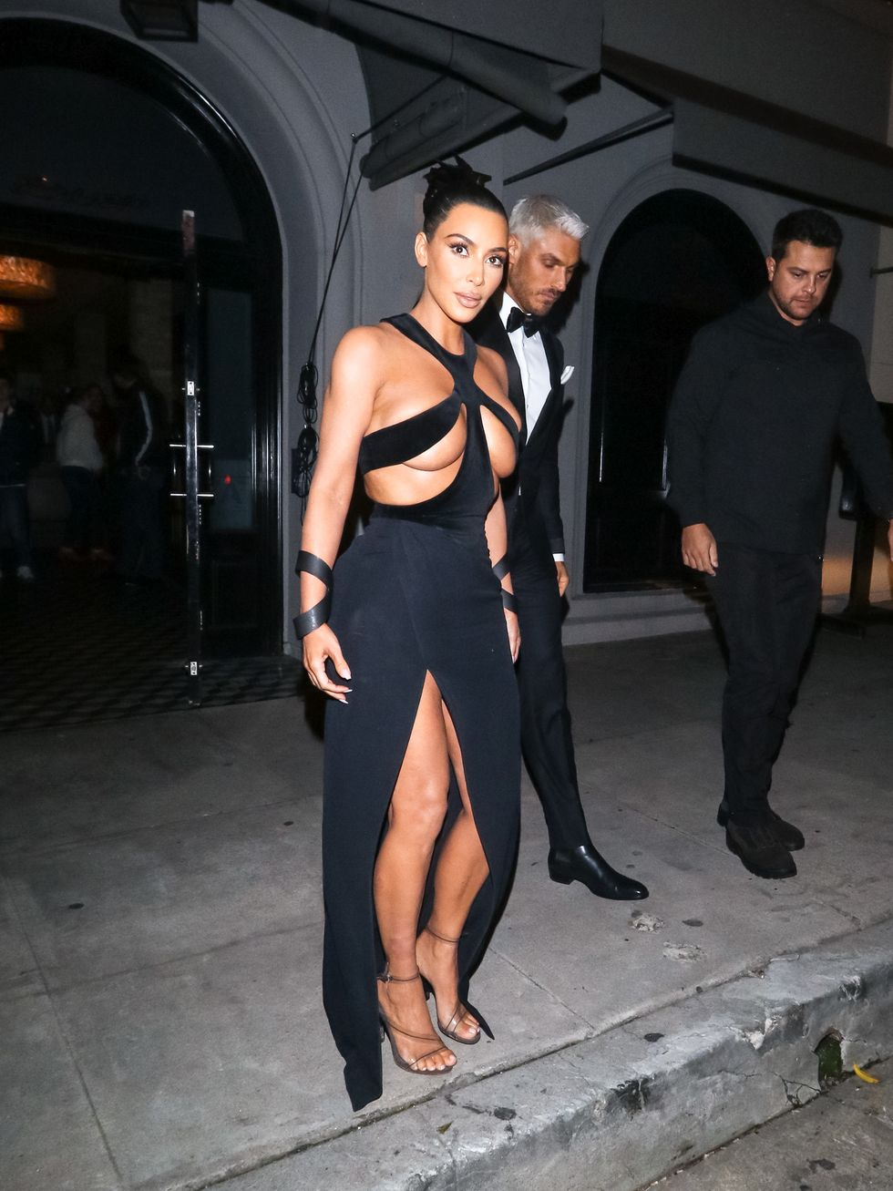 Kim Kardashian Stepped Out in a Vintage Thierry Mugler Cutout Gown for the Hollywood Beauty Awards Last Night