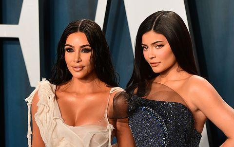 Kim Kardashian y Kylie Jenner en la fiesta post Oscar de la revista Vanity Fair