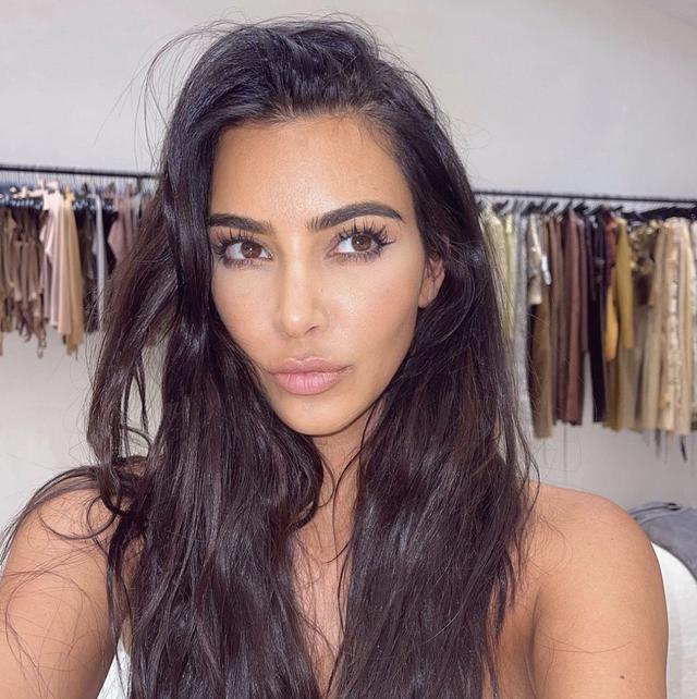 kim kardashian has bleached her eyebrows