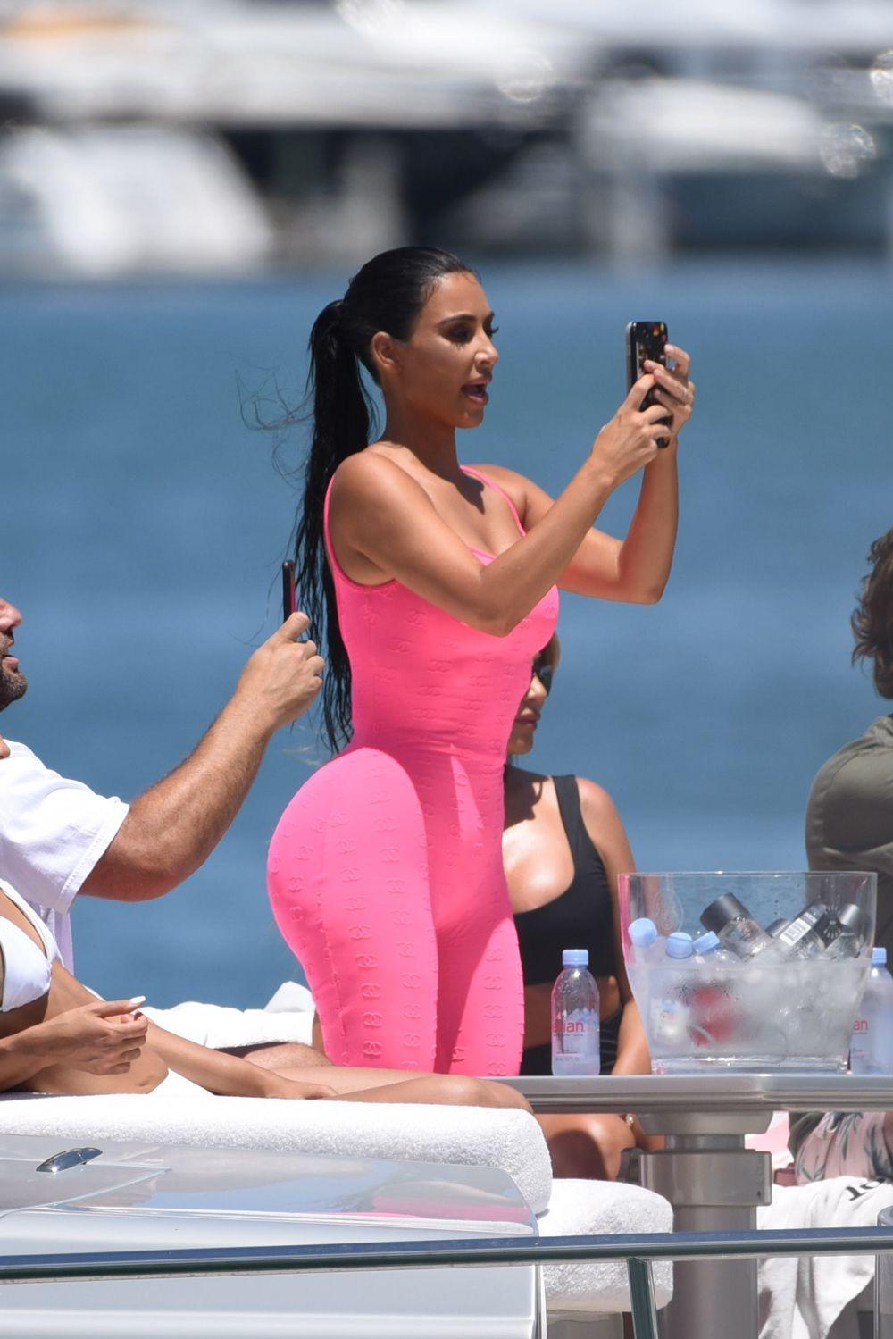 Beach Candid On Sex Kim Kardashian - Quality Porn-3660