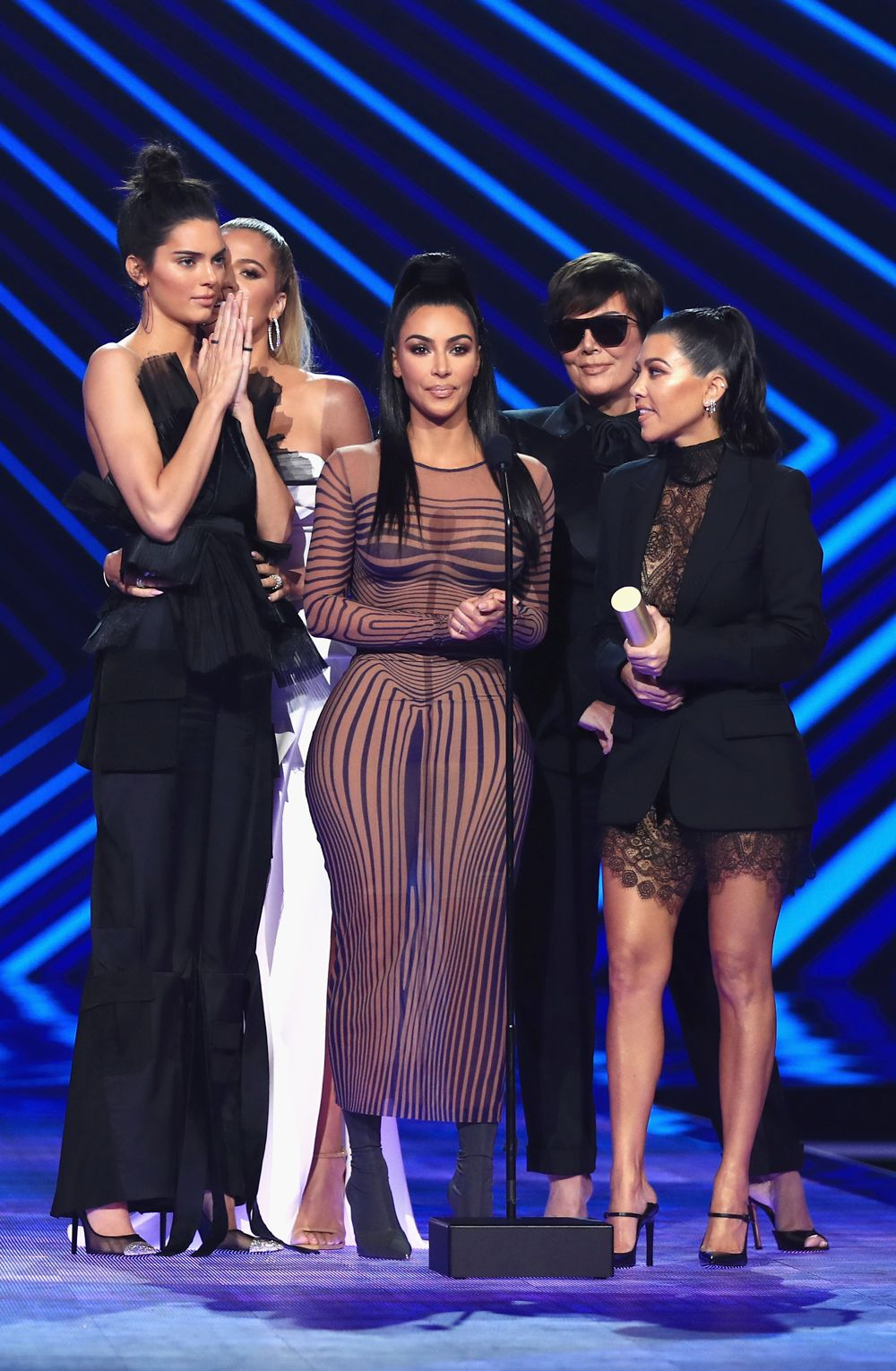 The Kardashians Are Shutting Down Their Apps In 2019