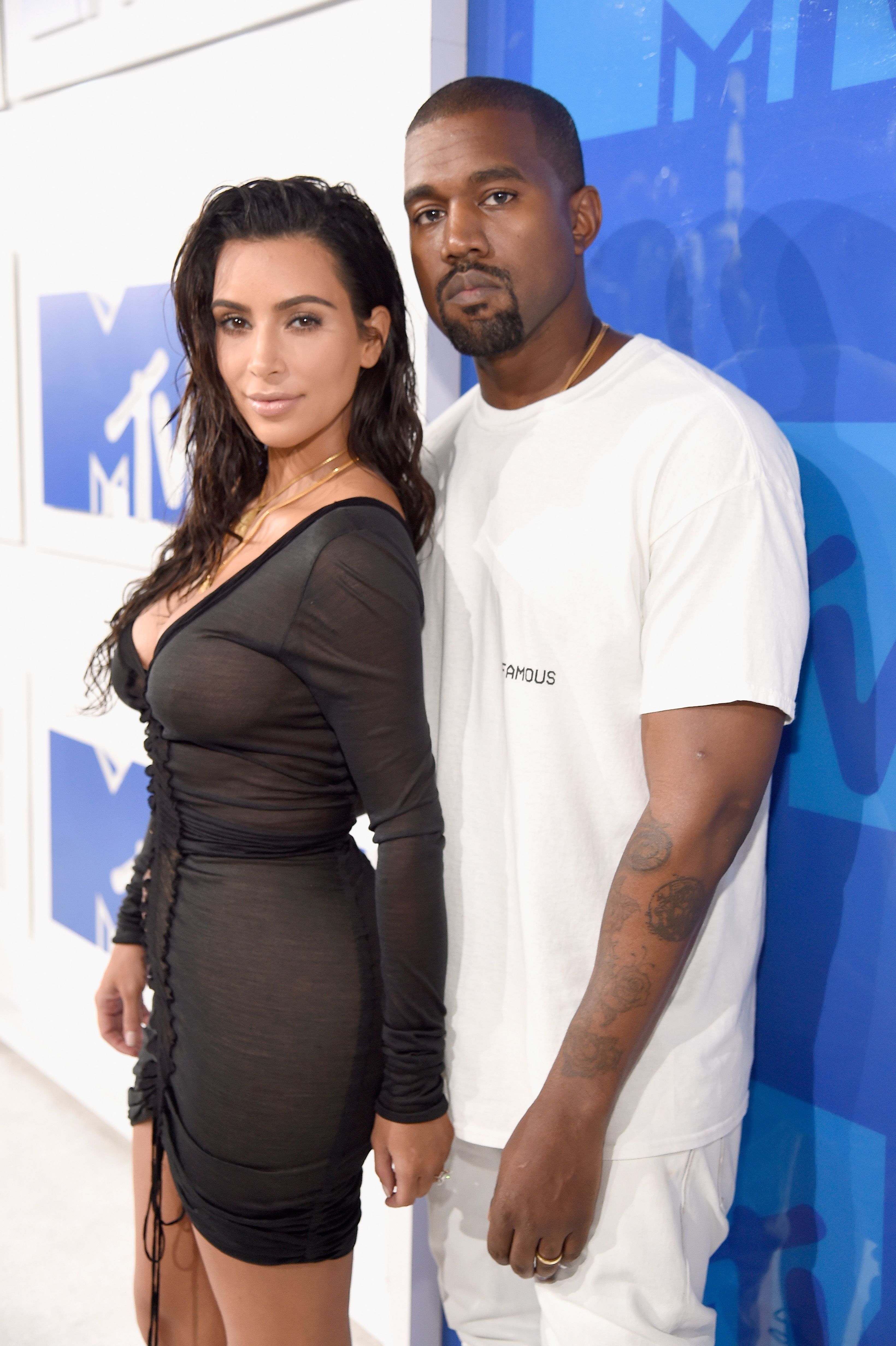 How old was kim kardashian when she started dating kanye
