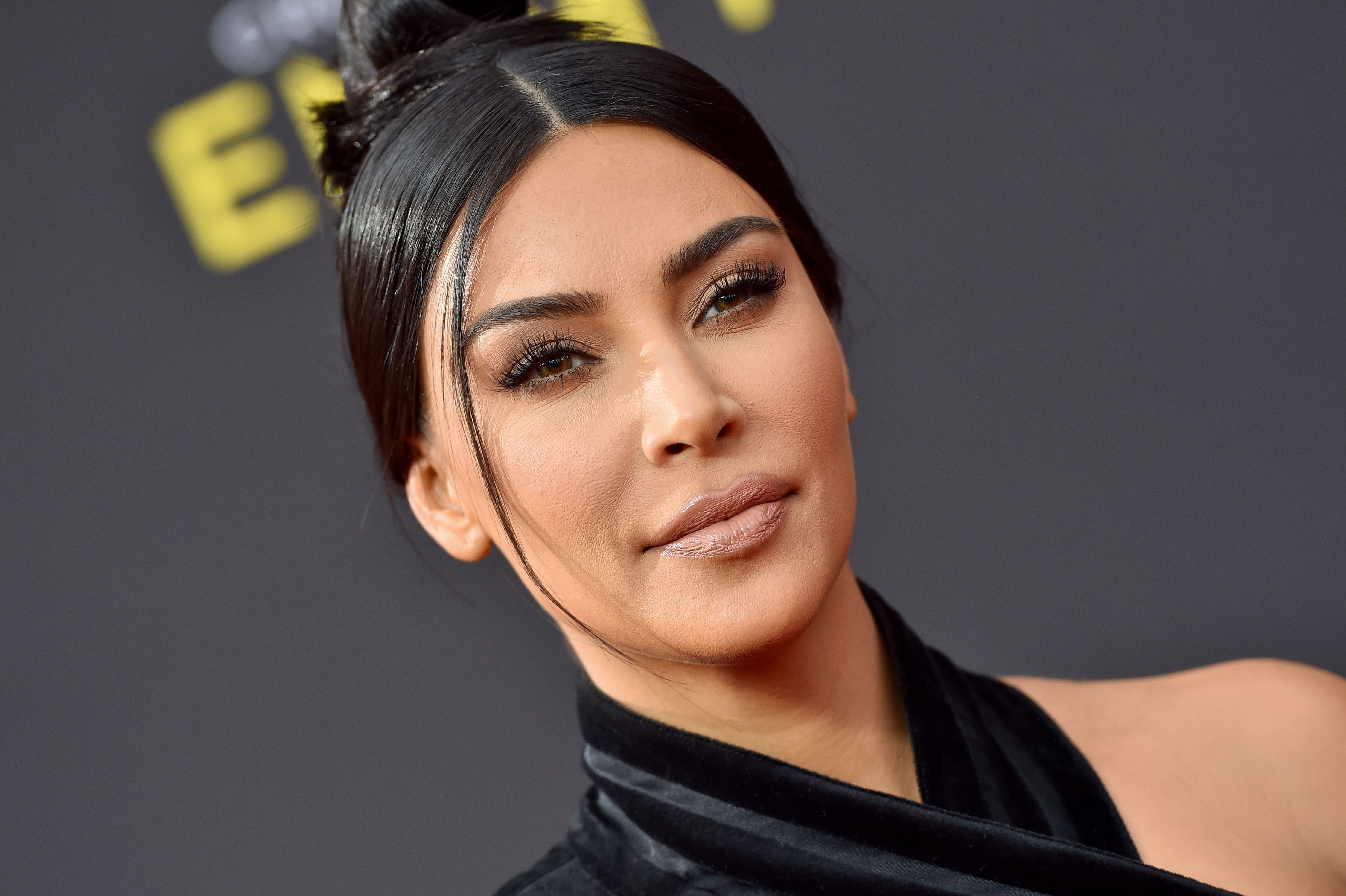 Kim Kardashian's Mystery Illness Turned Out to Be Psoriatic Arthritis—But What Is That?