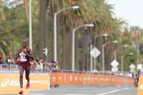 Kenyans Win Record-Hot L.A. Marathon