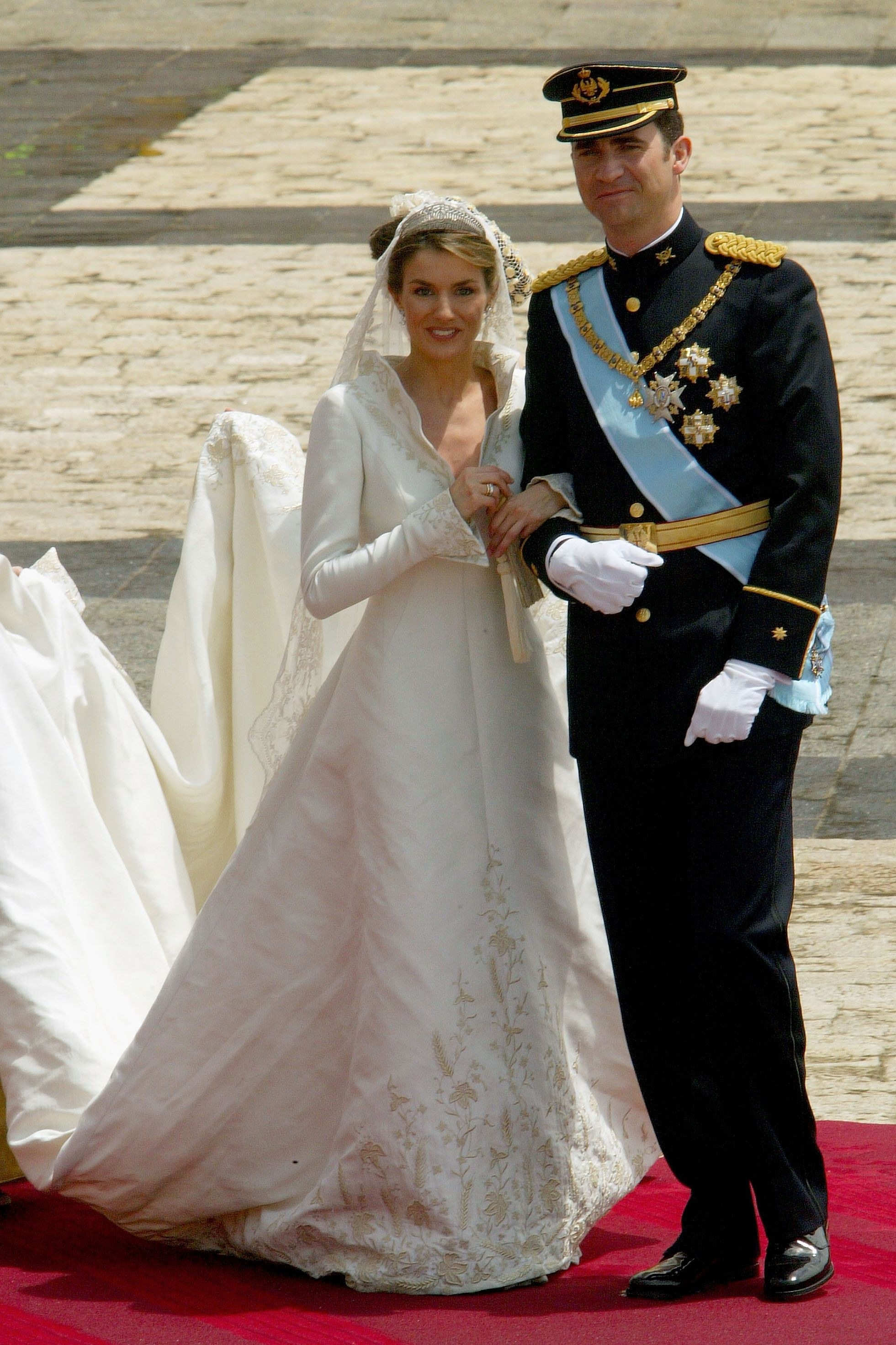 31 iconic royal wedding dresses best royal wedding gowns