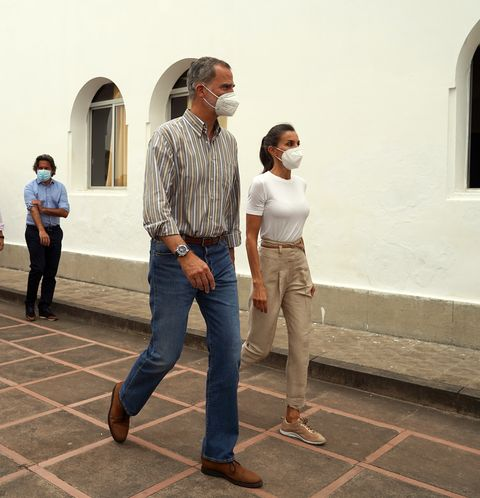 the king and queen visit the area affected by the volcano eruption in la palma