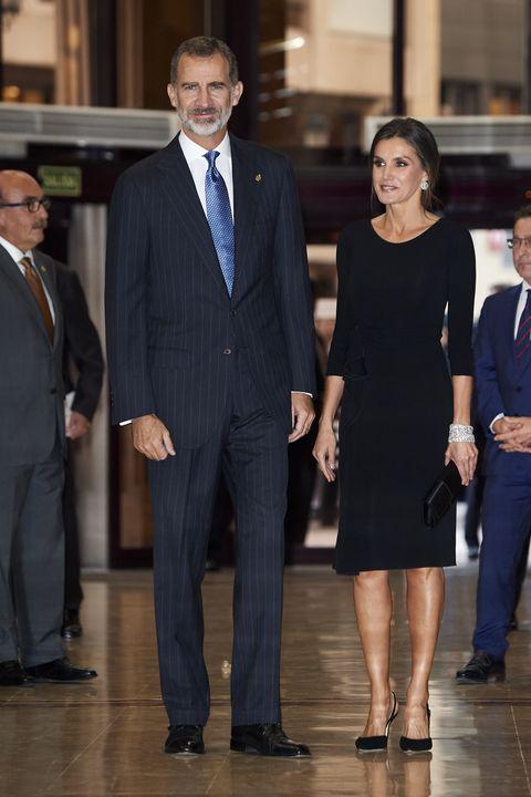 El incómodo vestido de Letizia - La Reina Letizia y el vestido de ...