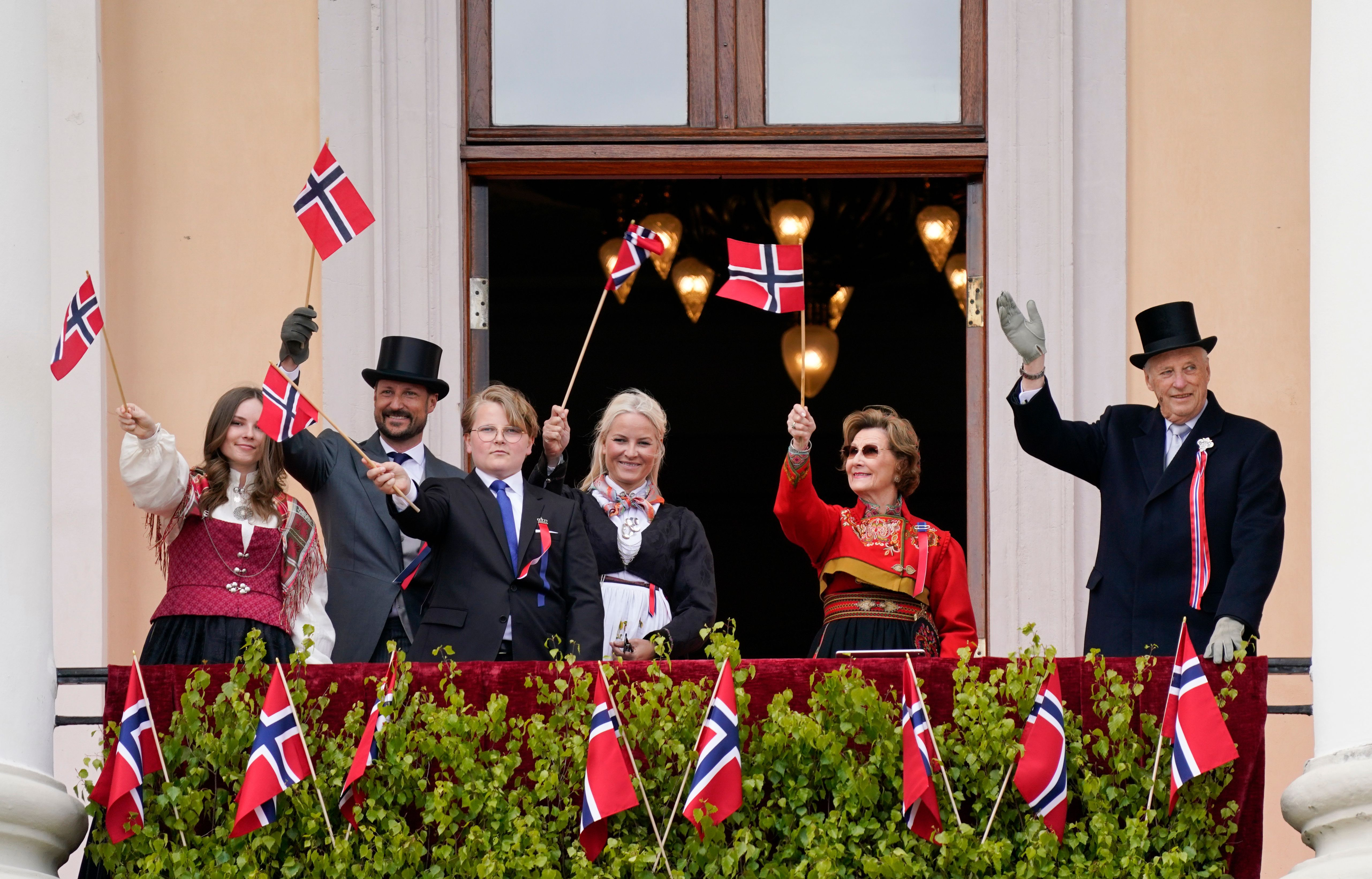 Norway S Royal Family Celebrates National Day During The Coronavirus In Photos 2020