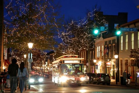 Night, Urban area, Light, Sky, Lighting, Street light, Town, City, Metropolitan area, Tree,