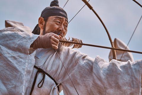 imagen de un arquero coreano en kingdom, la serie de netflix