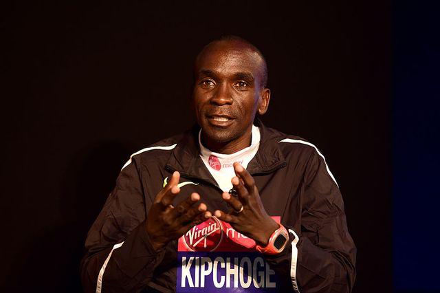 eliud kipchoge ayuda a los deportistas más necesitados en kenia
